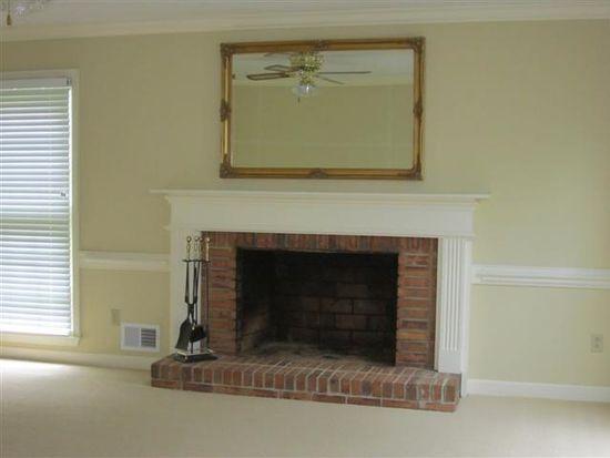 25 Old House Ln, Spartanburg, SC 29302