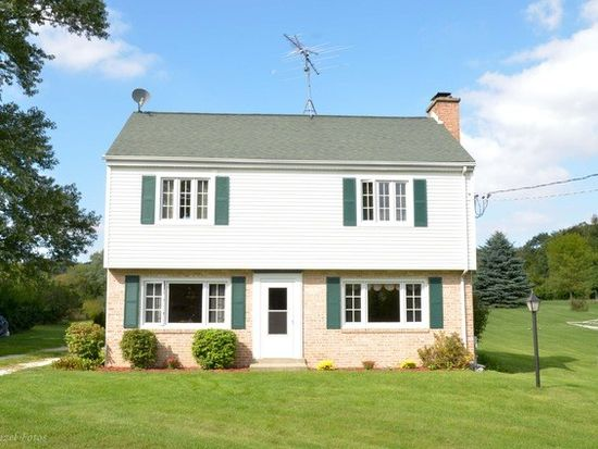 2317 S Cherry Valley Rd, Bull Valley, IL 60098