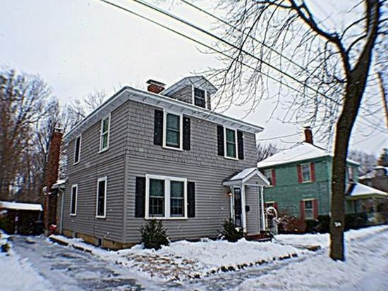 16 Columbus Ave, Newburyport, MA 01950
