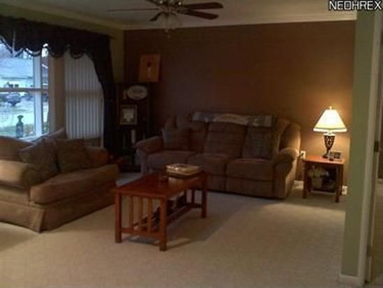 430 Woodmere Dr, Berea, OH 44017