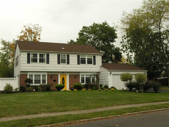 25 Tripplet Rd, Somerset, NJ 08873