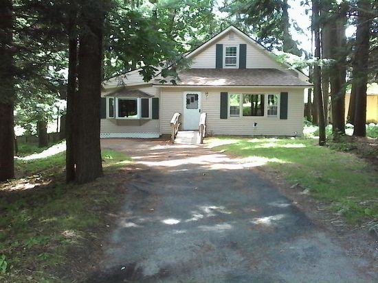 27 Argyle Rd, Pittsfield, MA 01201