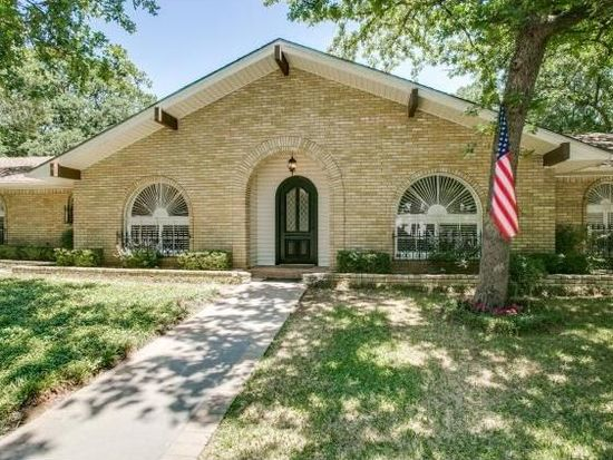 1015 Ridgecrest Cir, Denton, TX 76205