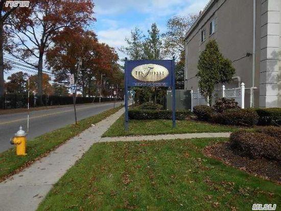 54 School St APT 114, Westbury, NY 11590
