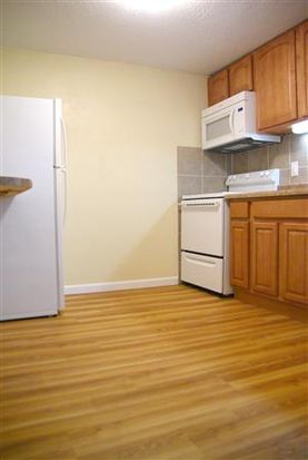 2425 Laclede Station Rd APT 7, Maplewood, MO 63143
