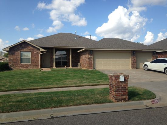 1105 Sparrow Hawk Dr, Norman, OK 73072