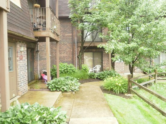 1406 S Fairfield Ave APT 48B, Lombard, IL 60148