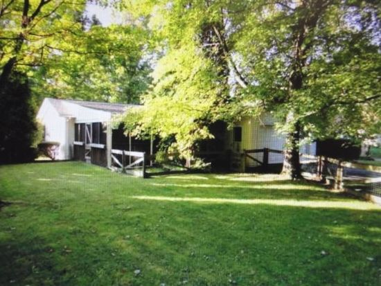 404 Shady Dr, Grove City, PA 16127