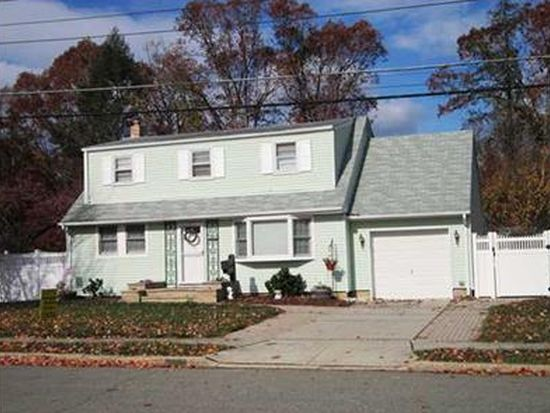 167 Willard Clark Cir, Spotswood, NJ 08884
