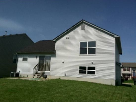 502 Dover Pond Dr, Blacklick, OH 43004
