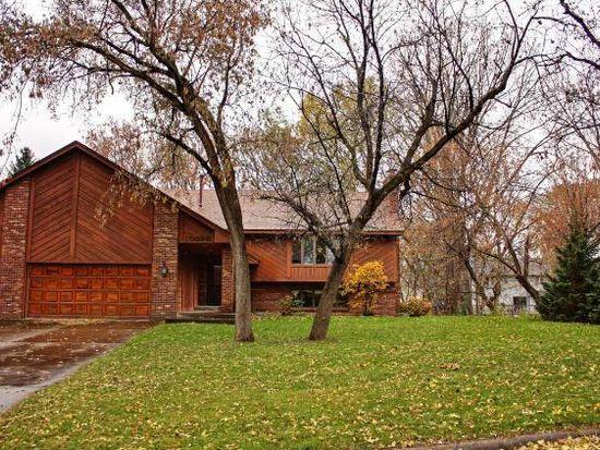 10090 Oak Shore Dr, Lakeville, MN 55044