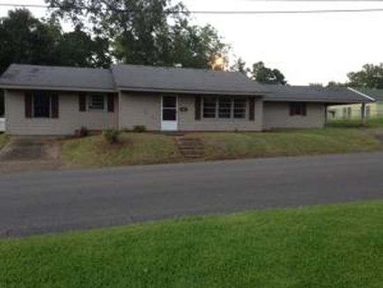 219 E Brame Ave, West Point, MS 39773