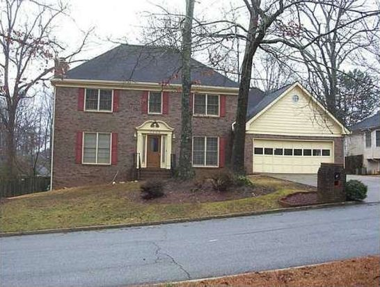 5696 Mountain Cres, Stone Mountain, GA 30087
