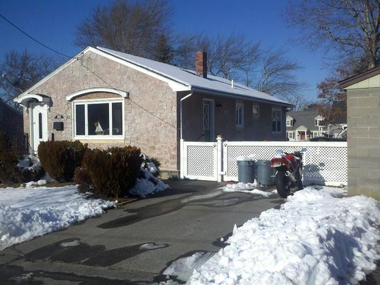 1015 June St, New Bedford, MA 02745