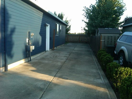 1713 SE 12th Ave, Canby, OR 97013
