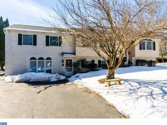 1 Campbell Ln, Phoenixville, PA 19460
