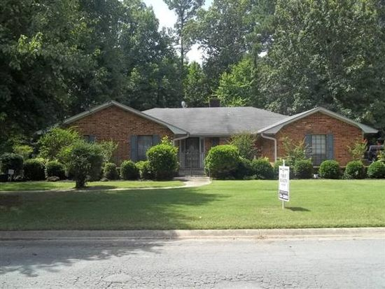 1104 Fairway Dr, Pine Bluff, AR 71603