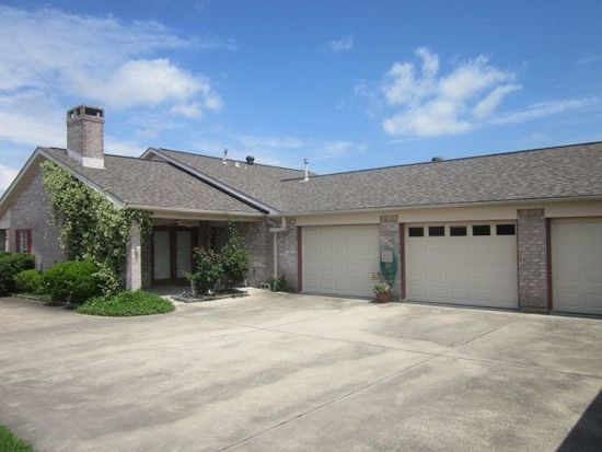 204 Hunter Ridge Ln, Nederland, TX 77627