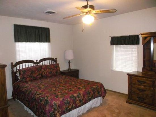 3048 Graves Ave, Groves, TX 77619