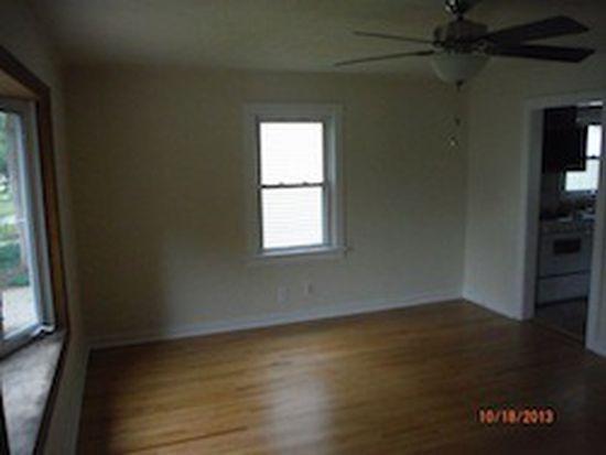 429 S Commonwealth Ave, Aurora, IL 60506