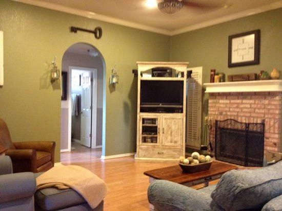 102 Pleasant Wood, Granbury, TX 76086