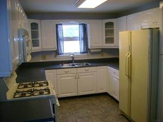 3 9th St, Waterford, NY 12188