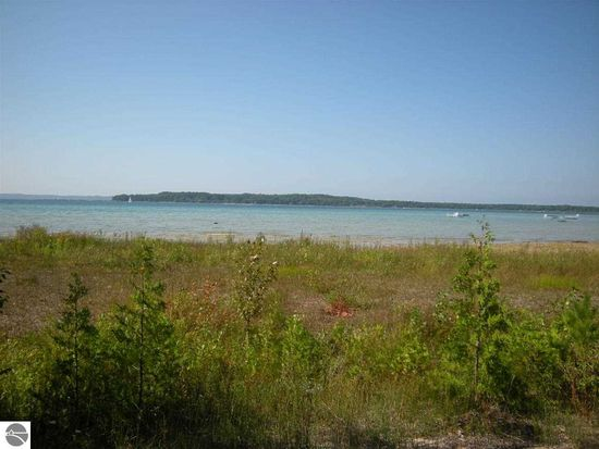 13450 Peninsula Dr, Traverse City, MI 49686