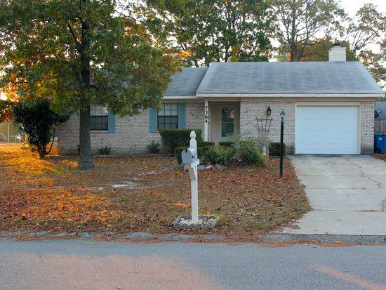 7364 Pebblebrook Dr, Fayetteville, NC 28314