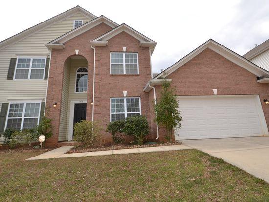 3428 Daniel Place Dr, Charlotte, NC 28213