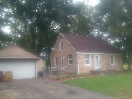 3863 Michigan Rd, Plymouth, IN 46563