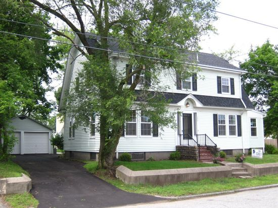 240 Baxter St, Pawtucket, RI 02861
