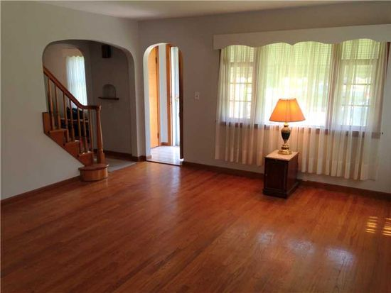 949 Bechtol Ave, Sharon, PA 16146