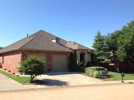 5904 Chestnut Ct, Edmond, OK 73025