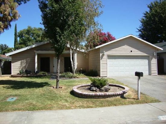 711 Montgomery Pl, Woodland, CA 95776