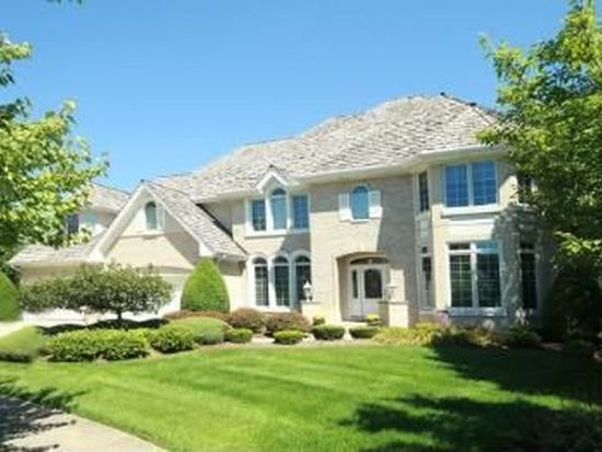 40 Oak Bluff Ct, Naperville, IL 60565
