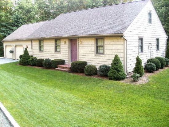 153 County St, Lakeville, MA 02347