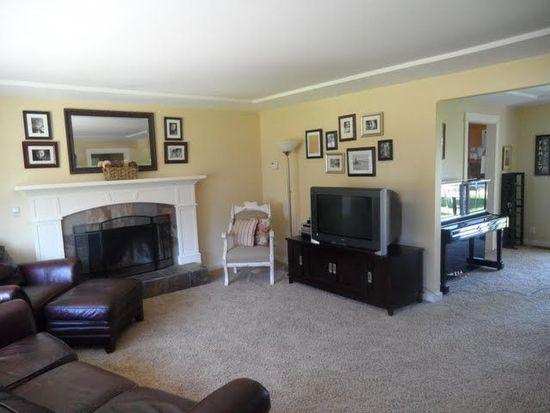 1505 Manor Dr, Gladstone, OR 97027