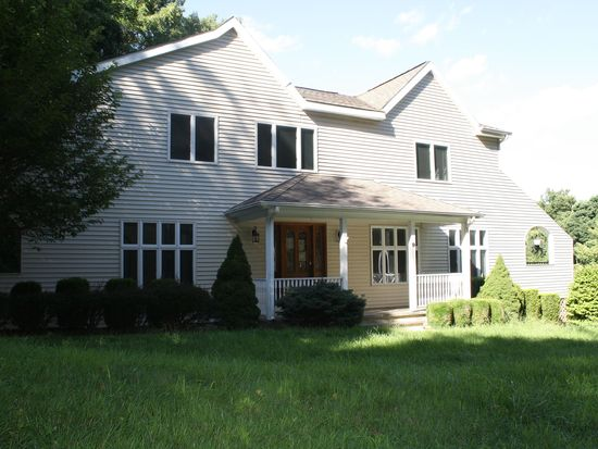 9 South Rd, Chester, NJ 07930