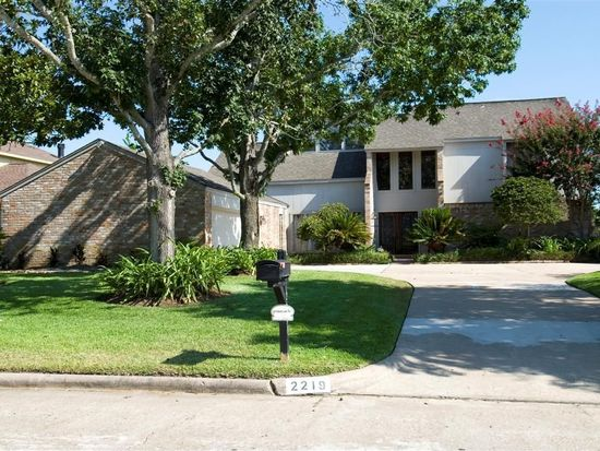 2219 Winged Foot Dr, Missouri City, TX 77459
