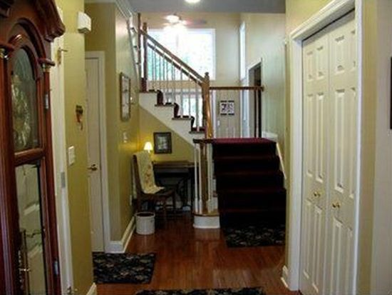204 Fox Meadow Dr, Wexford, PA 15090