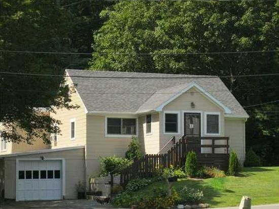 16 Laurel Ave, Kittery, ME 03904