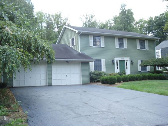 4690 Pine Cone Dr, Hermitage, PA 16148