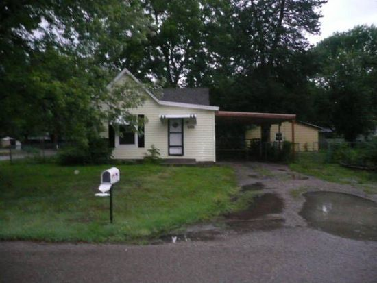 746 NE Oakland Ave, Topeka, KS 66616