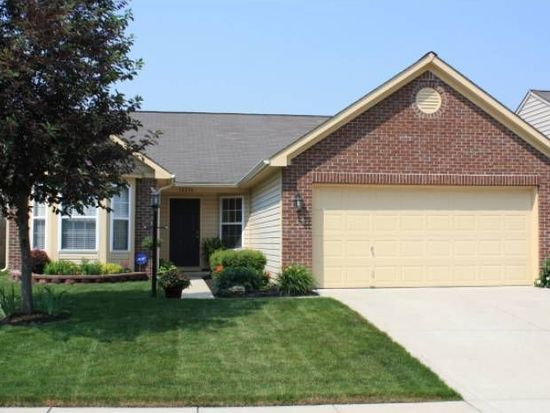 12256 Sagamore Woods Dr, Fishers, IN 46037