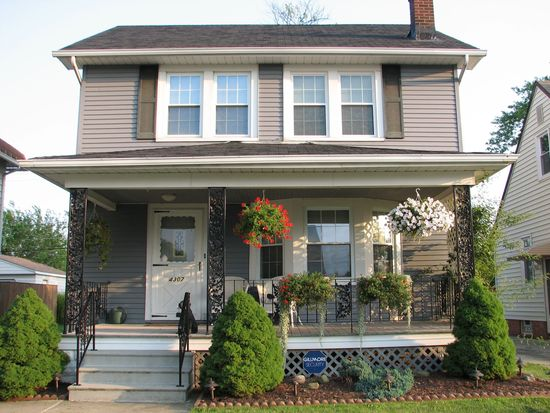4307 Maplecrest Ave, Parma, OH 44134