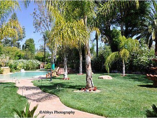 23211 Calvert St, Woodland Hills, CA 91367