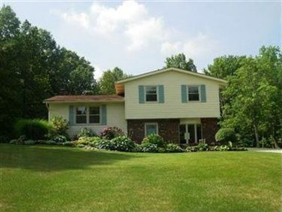 2404 Norton Rd, Stow, OH 44224