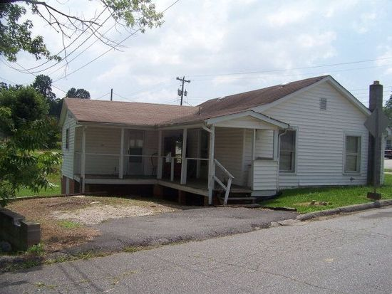 805 State St, Marion, NC 28752