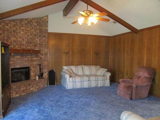 2212 Spring Oak Ln, Orange, TX 77632
