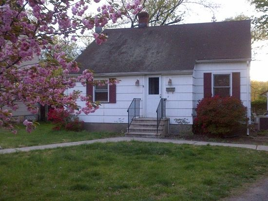 21 Zeliff Pl, Lincoln Park, NJ 07035